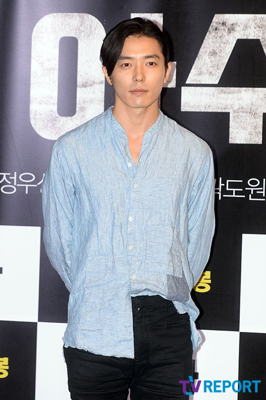 kim-jae-wook-azura-vip-premiere-01-drama-chronicles