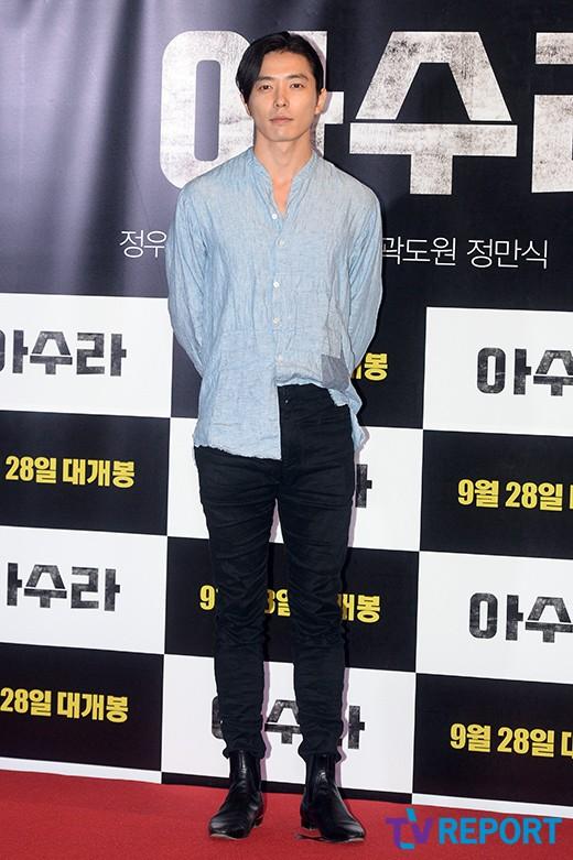 kim-jae-wook-azura-vip-premiere-02-drama-chronicles
