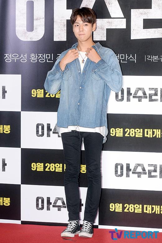 lee-hyun-woo-azura-vip-premiere-02-drama-chronicles