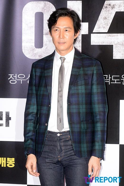 lee-jeong-jae-azura-vip-premiere-02-drama-chronicles