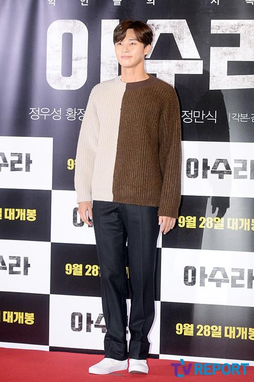 park-seo-joon-azura-vip-premiere-02-drama-chronicles