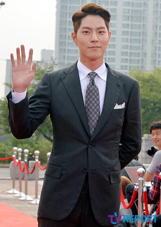 seoul-drama-awards-2016-hong-jong-hyun-02-drama-chronicles