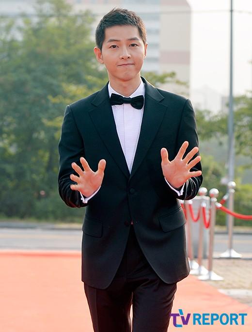seoul-drama-awards-2016-song-joong-ki-02-drama-chronicles
