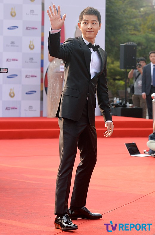 seoul-drama-awards-2016-song-joong-ki-07-drama-chronicles