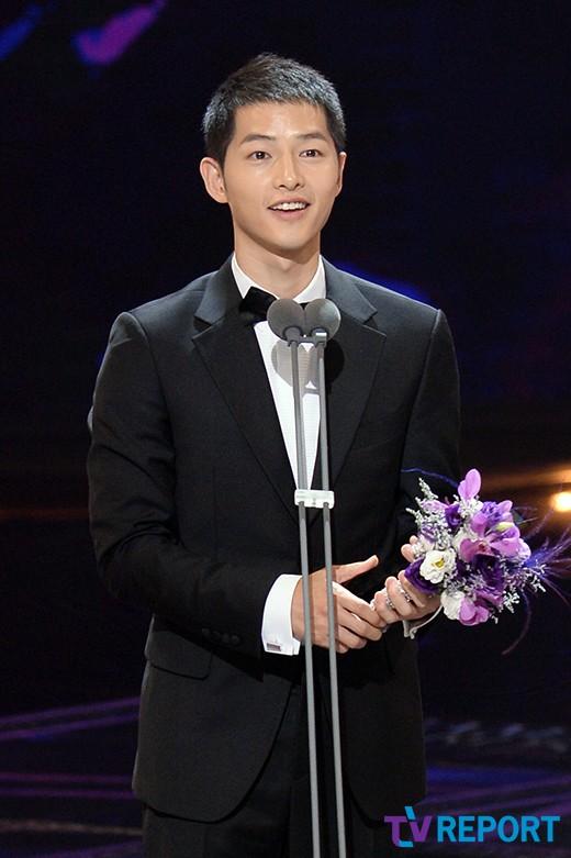 seoul-drama-awards-2016-song-joong-ki-won-award-drama-chronicles