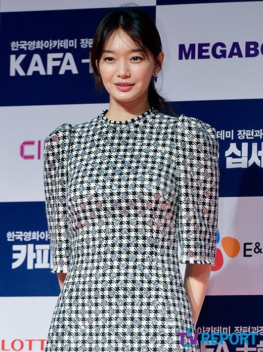 shin-min-ah-kafa-red-carpet-02-drama-chronicles