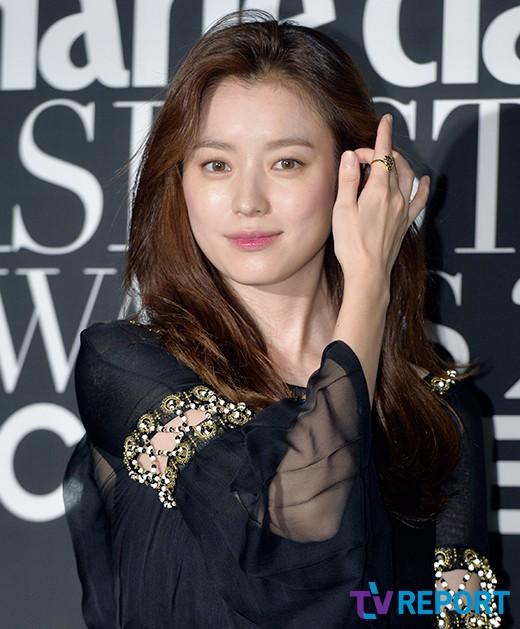 han-hyo-joo-4th-asian-star-awards-03