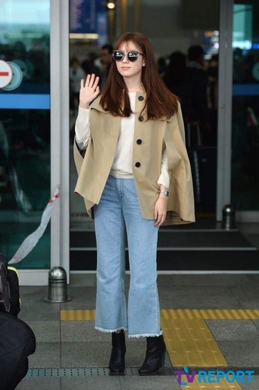 han-hyo-joo-burberry-coat-airport-fashion-01-drama-chronicles