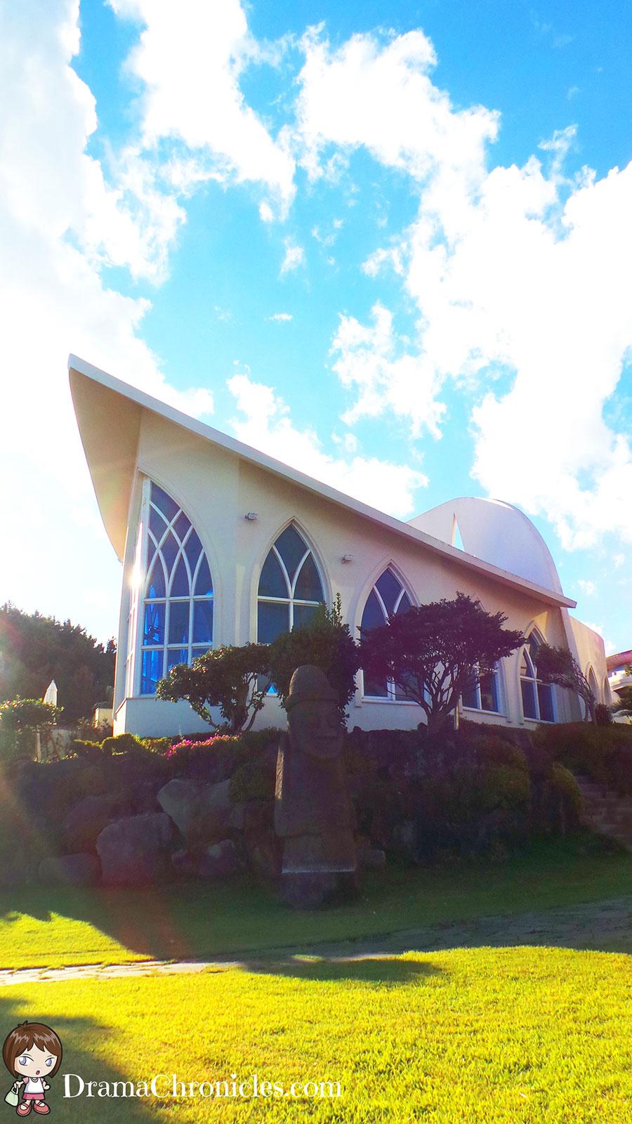 hyatt-regency-chapel-07-drama-chronicles