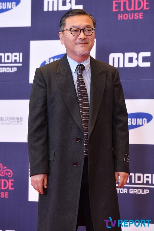 kim-ui-sung-apan-awards-01-drama-chronicles