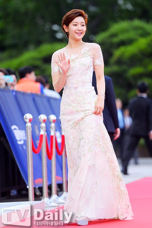 park-so-dam-52-baeksang-awards-01-drama-chronicles