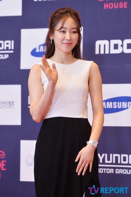 seo-hyun-jin-apan-awards-01-drama-chronicles