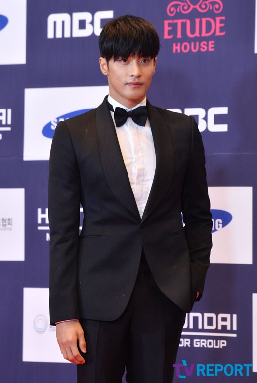 sung-hoon-apan-awards-01-drama-chronicles