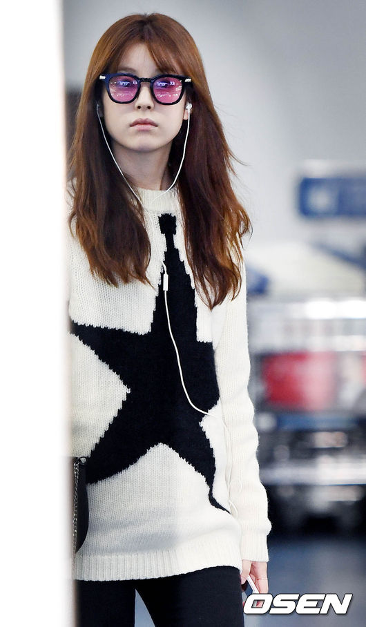 han-hyo-joo-october-airport-fashion-03-drama-chronicles