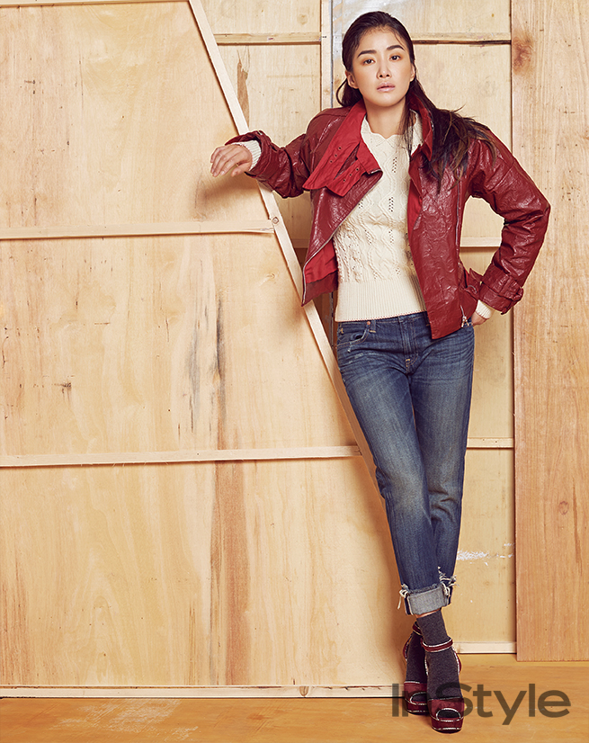 lee-si-young-instyle-03-drama-chronicles