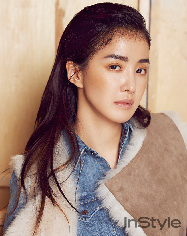 lee-si-young-instyle-04-drama-chronicles