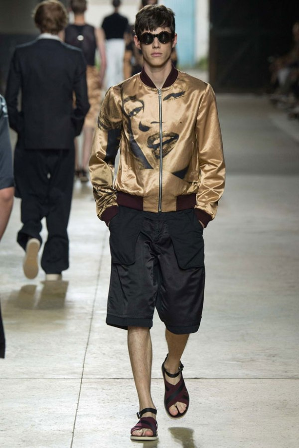 Model photo c/o Vogue from Dries Van Noten's Spring 2016 Menswear Collection
