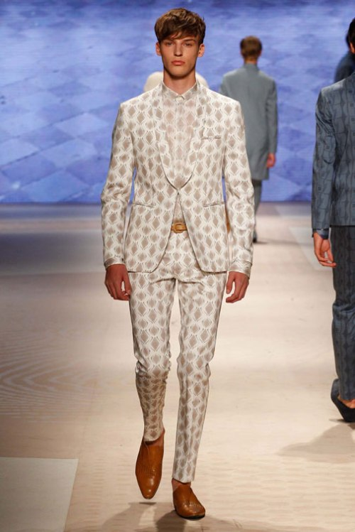 Model photo c/o Vogue from Etro's Spring 2016 Menswear Collection