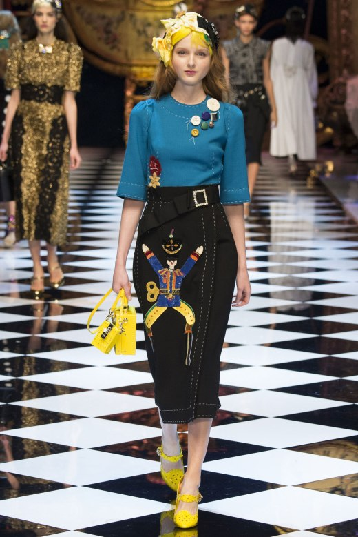 Model photo c/o Vogue from Dolce&Gabbana Fall 2016 Collection