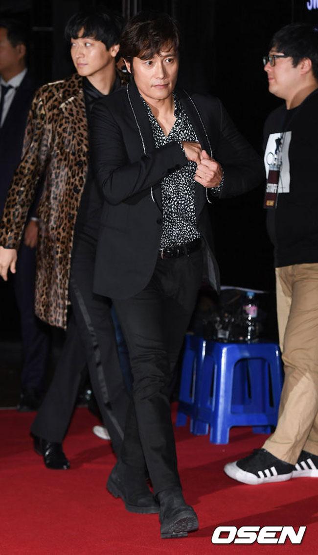 lee-byung-hun-master-vip-premiere-01-drama-chronicles