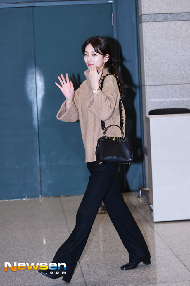suzy-december-airport-fashion-02-drama-chronicles