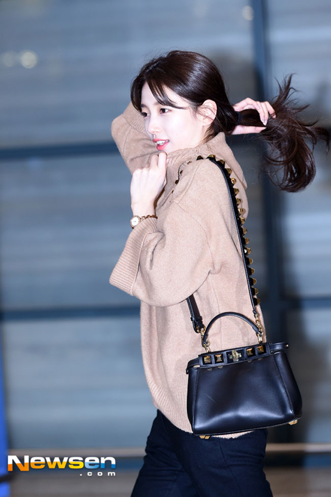 suzy-december-airport-fashion-03-drama-chronicles