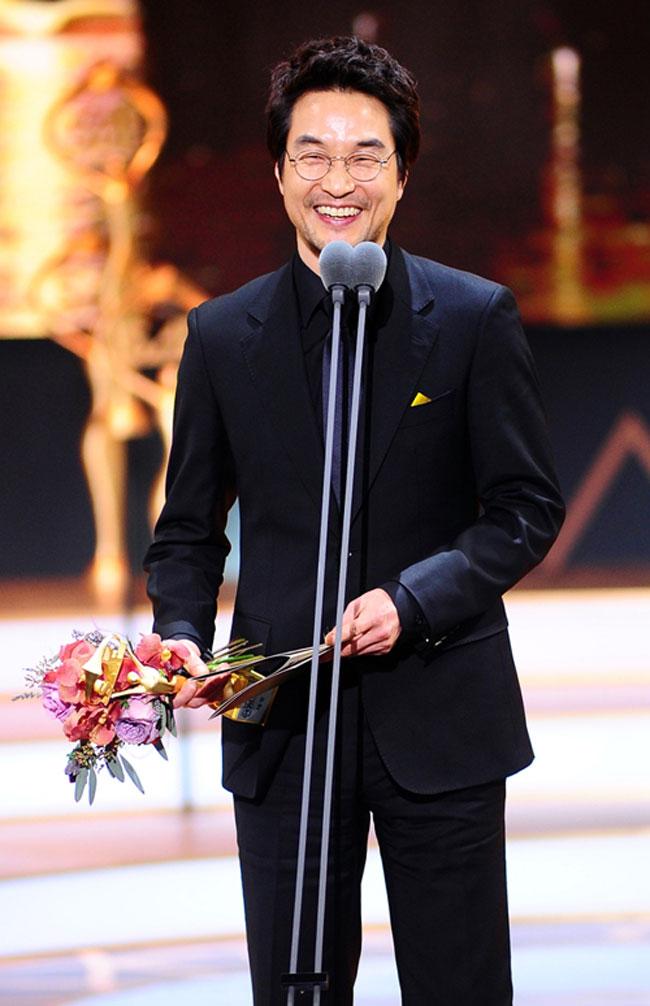 Han Suk Kyu c/o Newsen