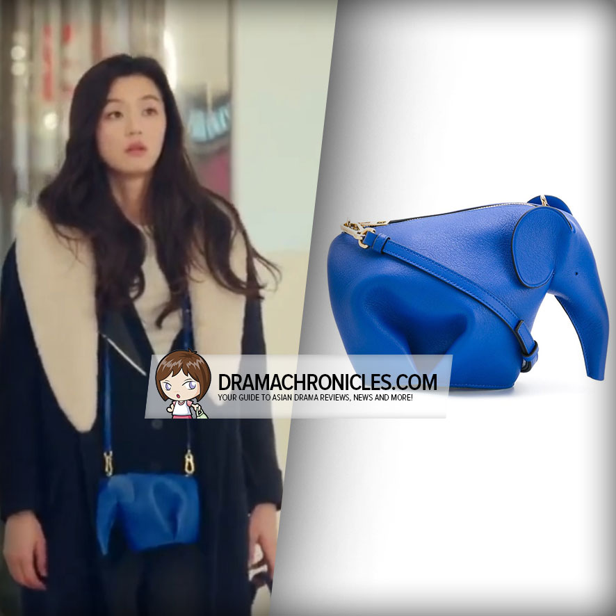 Jun Ji Hyun wearing a Loewe Elephant Bag.