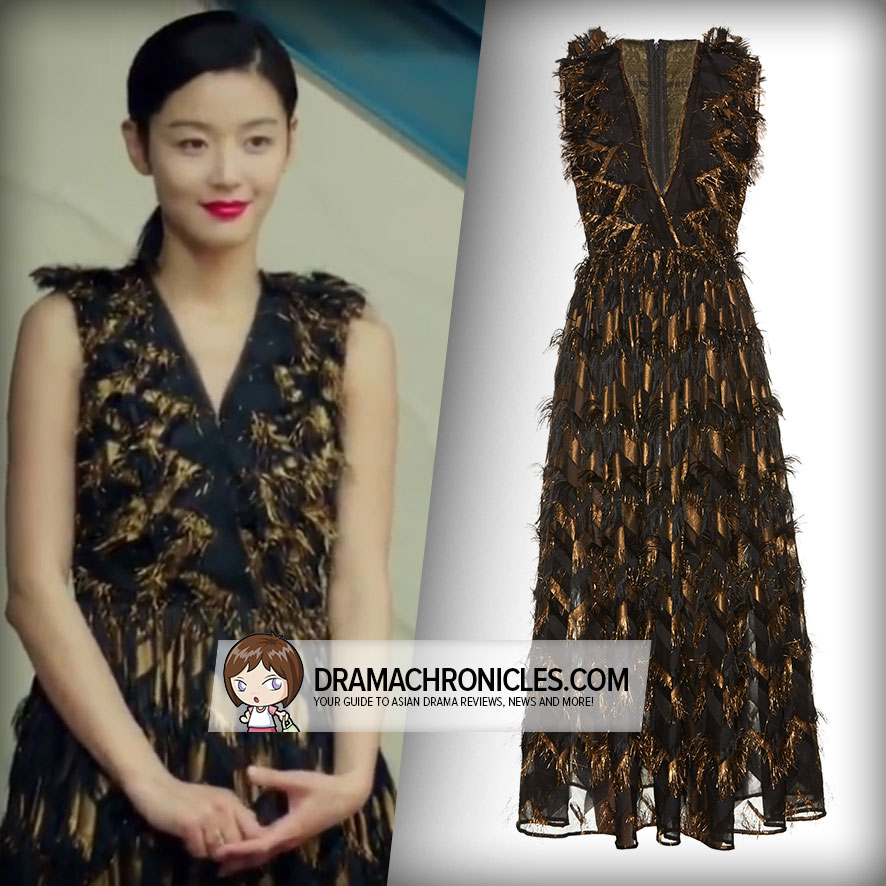 Jun Ji Hyun wearing a Dolce&Gabbana Dress.