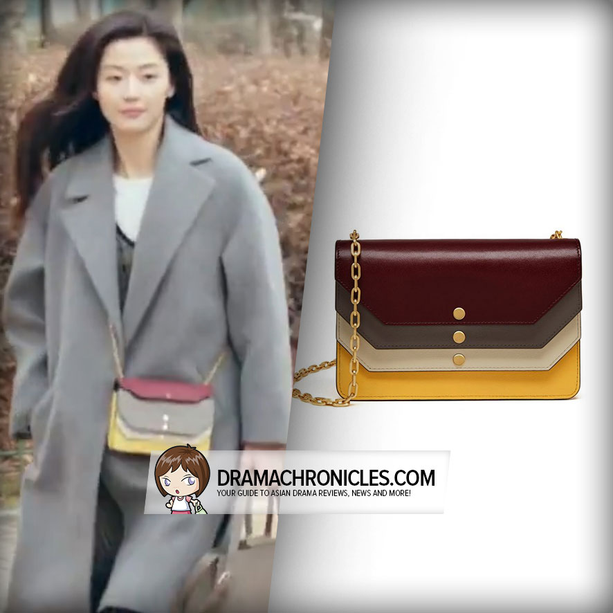 Jun Ji Hyun wearing Mulberry Multiflap Clutch.