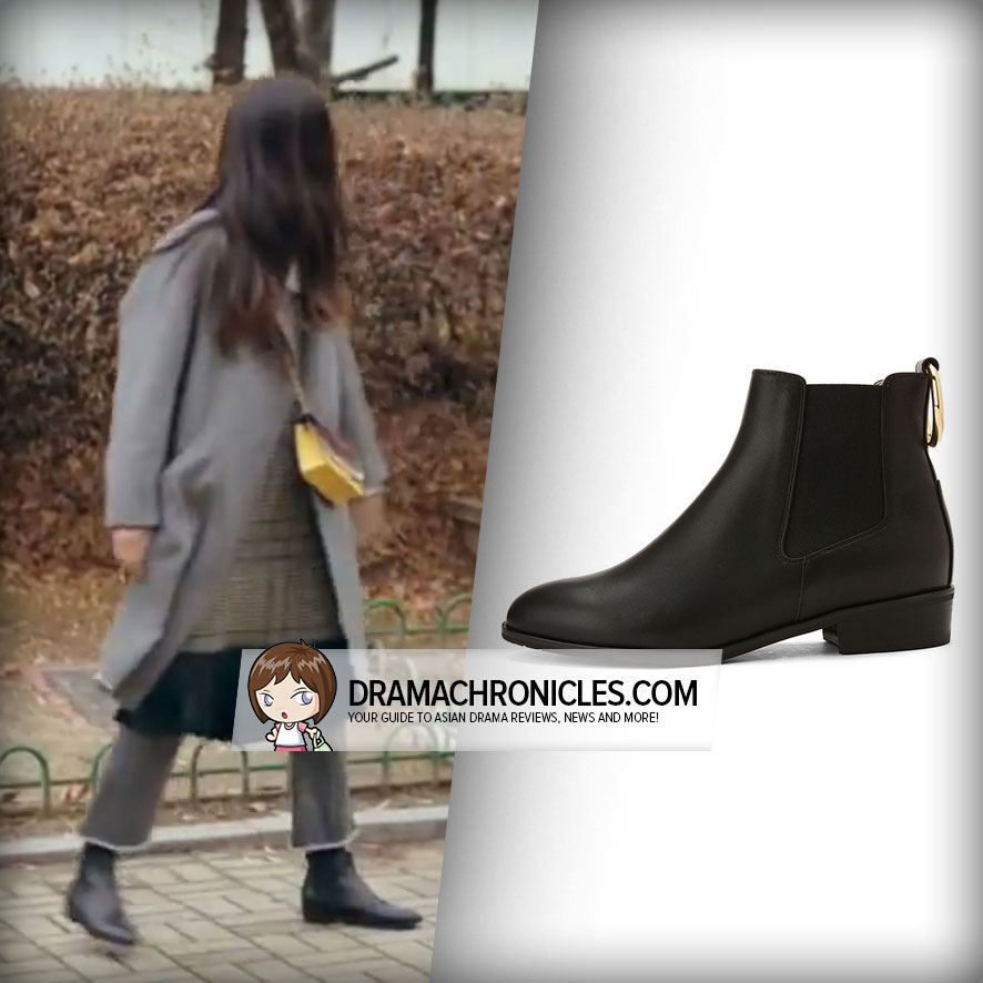 Jun Ji Hyun wearing Suecomma Bonnie's Gold Ring Ankle Boots.