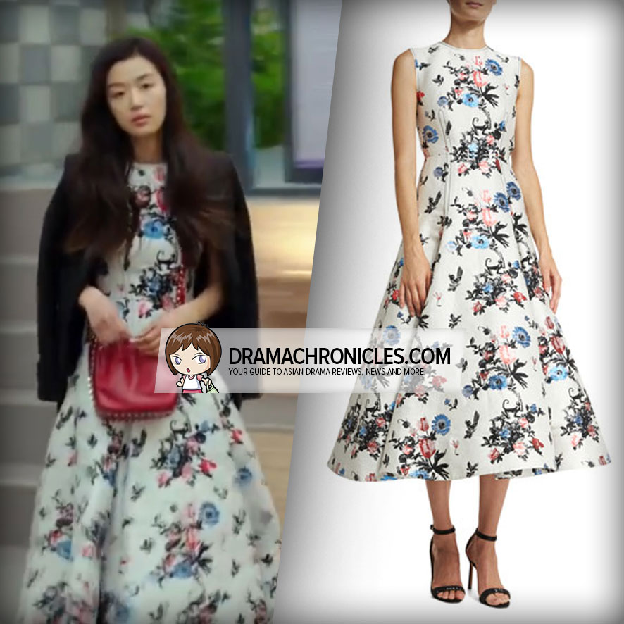 Jun Ji Hyun wearing a Valentino Dress.