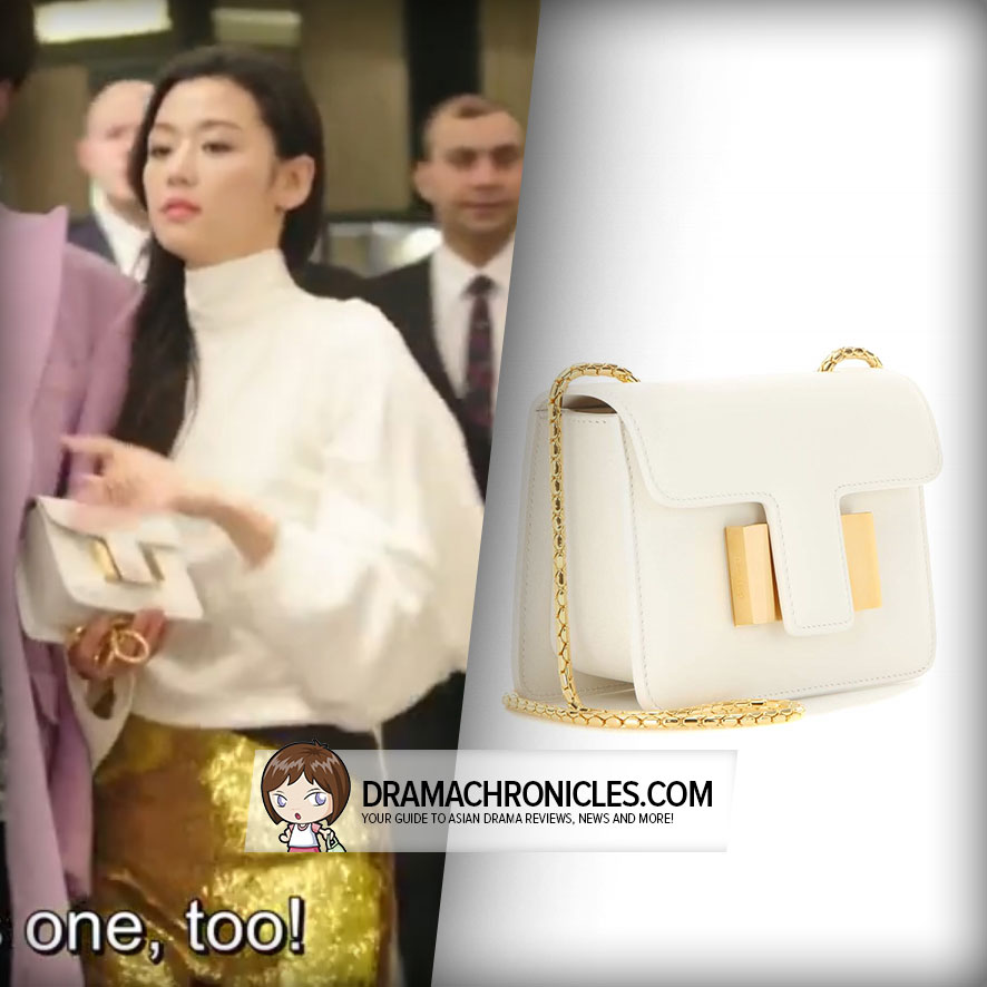 Jun Ji Hyun wearing a Tom Ford Bag.