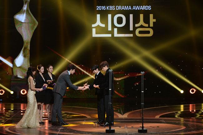Sung Hoon and Jinyoung c/o Newsen