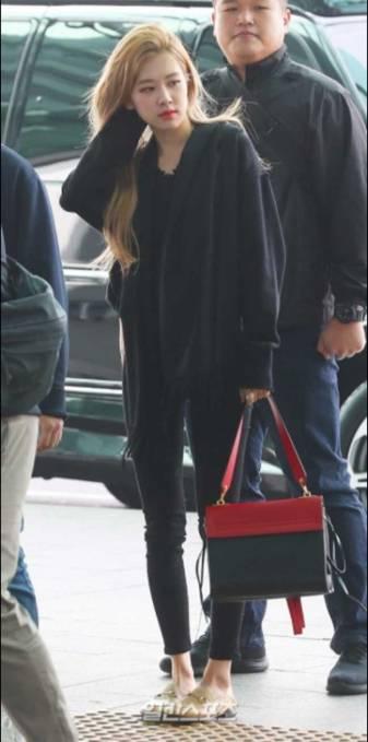 BlackPink-Rose-Airport-Fashion-03-Drama-Chronicles