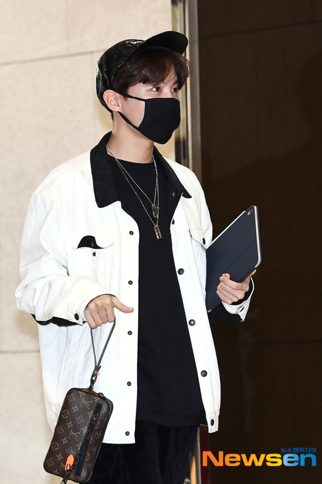 BTS-JHope-March-2019-Airport-Fashion-Drama-Chronicles-01