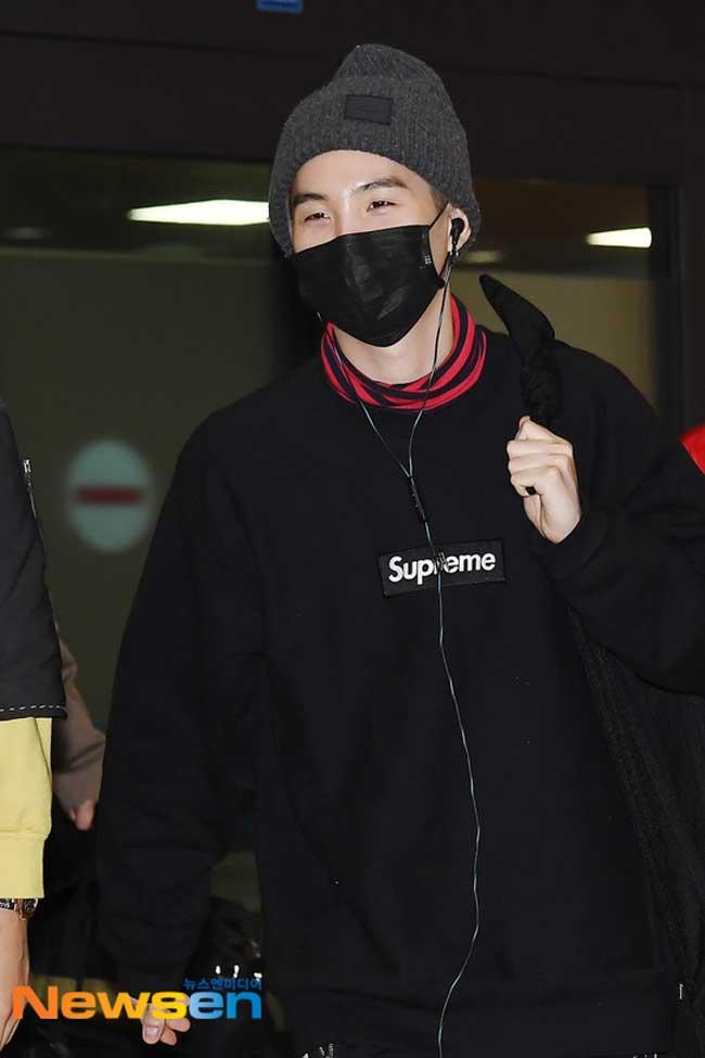 BTS-Suga-March-25-Airport-Fashion-Drama-Chronicles-01.jpg
