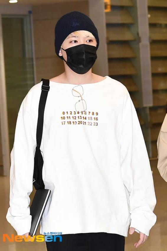 FT-Island-Lee-Hong-Ki-March-2019-Airport-Fashion-Drama-Chronicles-01