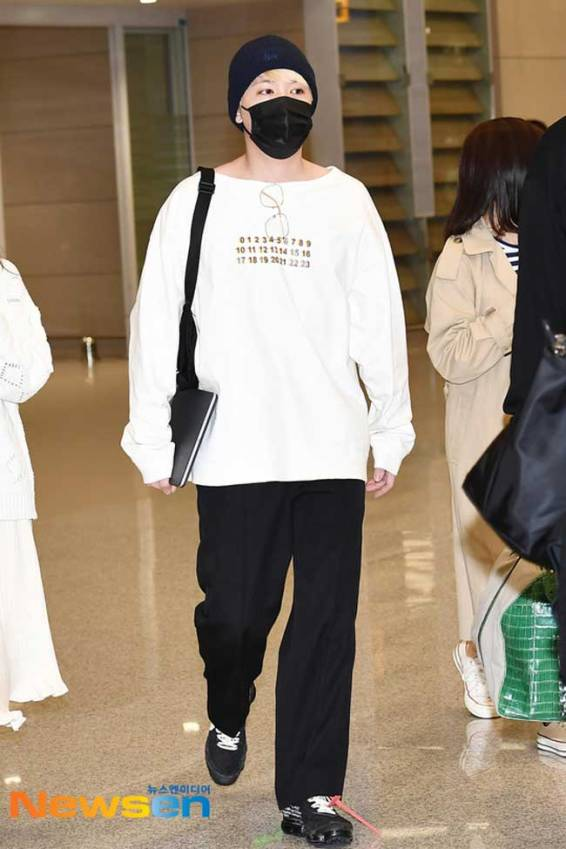 FT-Island-Lee-Hong-Ki-March-2019-Airport-Fashion-Drama-Chronicles-02