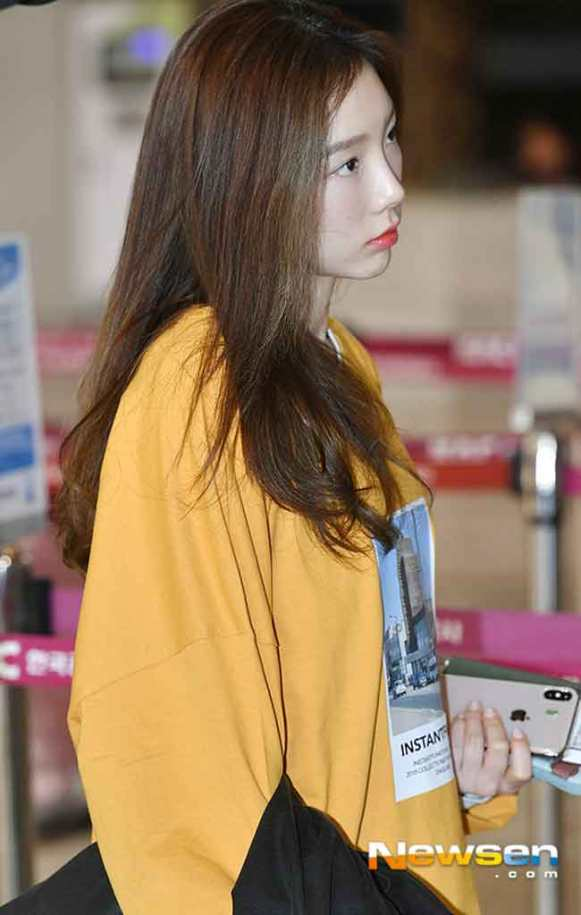 Girls-Generation-Taeyeon-March-Airport-Fashion-2019-Wk-2-Drama-Chronicles-04