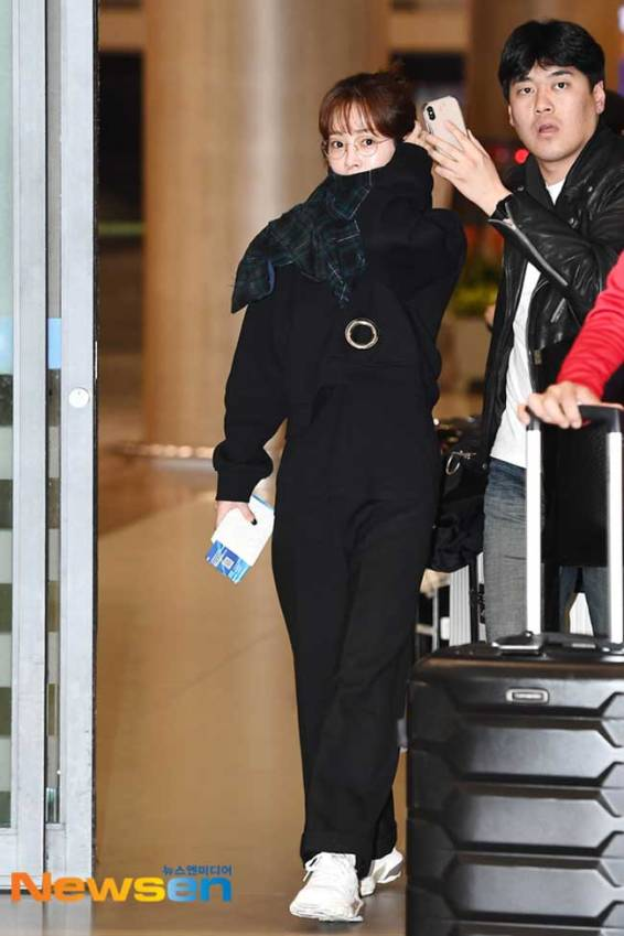 Han-Ji-Min-March-2019-Airport-Fashion-Drama-Chronicles-01