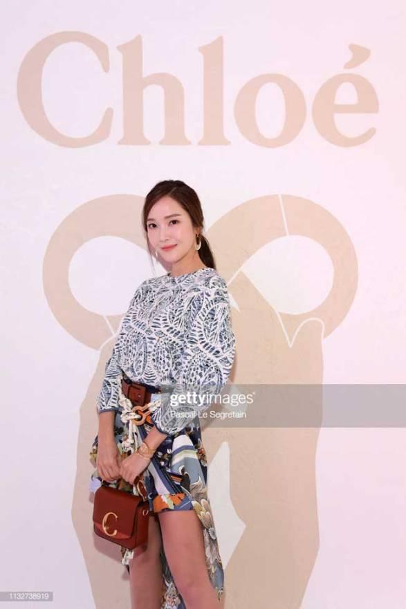 Jessica-Jung-02-Paris-Fashion-Week-Drama-Chronicles