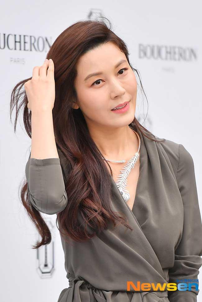 Kim-Ha-Neul-Boucheron-Event-Drama-Chronicles-05