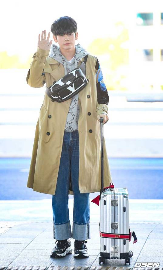 On-Seong-Woo-March-Airport-Fashion-2019-Batch-3-Drama-Chronicles-11