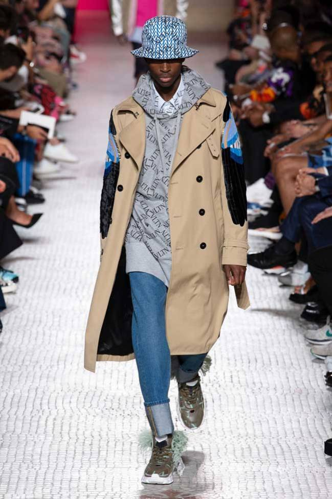 On-Seong-Woo-March-Airport-Fashion-2019-Batch-3-Drama-Chronicles-Valentino-Spring-2019-Menswear-Collection