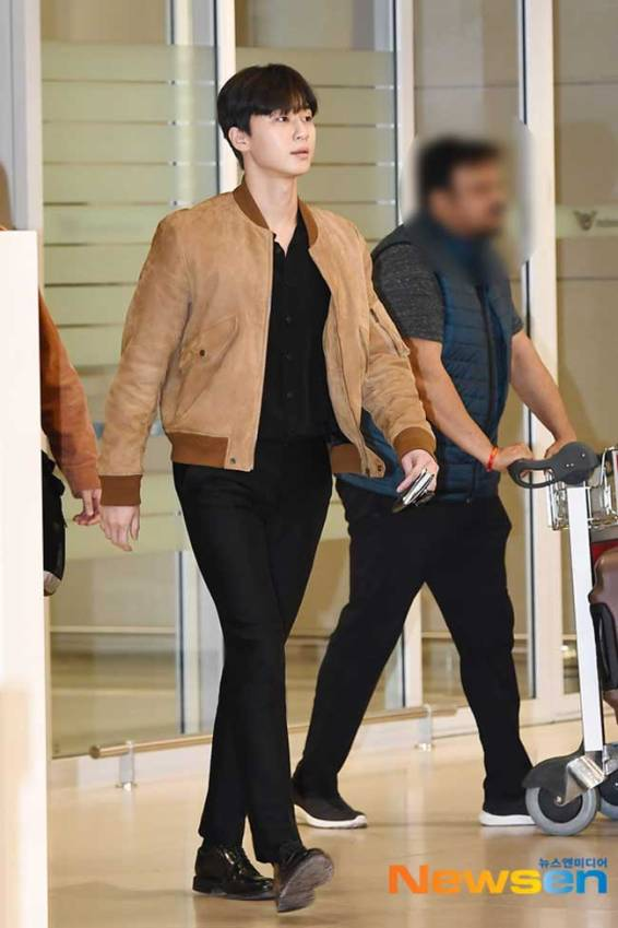 Park-Seo-Joon-March-2019-Airport-Fashion-Drama-Chronicles-02