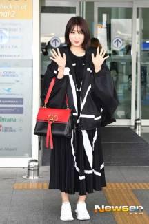 Park-Shin-Hae-Airport-Fashion-March-2019-Drama-Chronicles-02