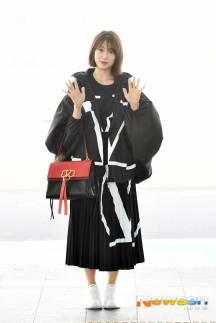 Park-Shin-Hae-Airport-Fashion-March-2019-Drama-Chronicles-03