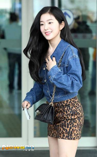 Red-Velvet-Irene-Airport-Fashion-March-2019-Drama-Chronicles-02