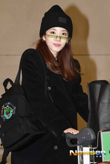 Sandara-Park-Airport-Fashion-After-PFW-2019-Drama-Chronicles-12